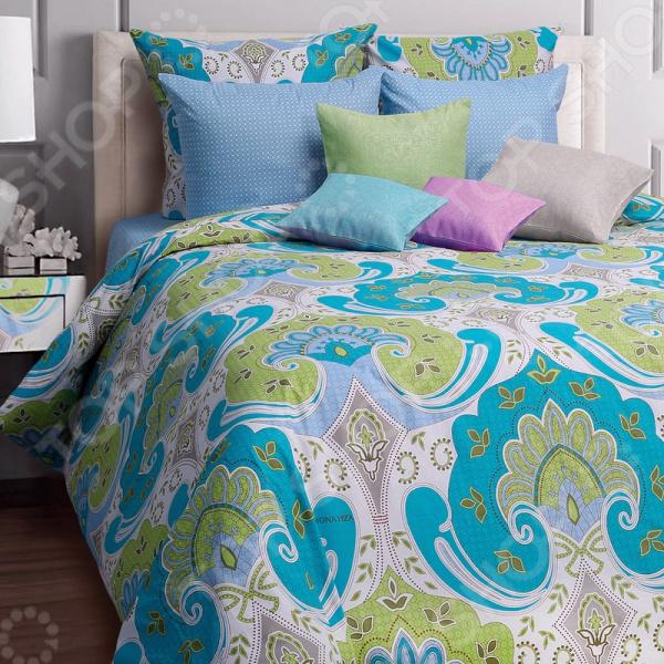 Комплект постельного белья Mona Liza Marakesh. 1,5-спальный1,5-спальные<br>Здоровый и комфортный сон зависит не только от того насколько ваш матрас и подушка мягкие и удобные, но и, не в последнюю очередь, от того на каком постельном белье вы спите ежедневно. Очень важно при выборе постельного белья ориентироваться не только на его цену и яркий дизайн, но и на качество, и тонкость материала. Жесткие и плотные ткани, пусть даже и натуральные, не подходят для ежедневного использования, ведь они могут причинить коже удивительный дискомфорт, вызвав её покраснения и раздражения. Комплект постельного белья Mona Liza Marakesh яркий и оригинальный комплект постельного белья, выполненный из импортной набивной бязи. Этот высококачественный материал изготовляется из нитей 100 натурального хлопка и отличается свой прочностью, экологичностью и мягкостью. Он не будет вызывать раздражение или аллергию даже у самой нежной и чувствительной кожи. Легкая и гигроскопическая ткань отличается незначительной сминаемостью, поэтому белье не собирается в грубые складки даже во время самого беспокойного сна, не подвержена образованию катышков. Этот комплект белья вас покорит, благодаря тому, что легко стирается и гладится. Он не растягивается и прекрасно держит свою форму даже после многочисленных стирок. Так как для пошива используются широкие ткани, внешний вид белья не будут портить дополнительные швы по середине. Комплект постельного белья отличается удивительной тонкостью и качеством, которое придает ему особую изысканность. Интересный современный дизайн белья с оригинальным восточным орнаментом станет прекрасным дополнением интерьера любой комнаты. Чтобы постельное белье прослужило как можно дольше, его рекомендуется стирать при температуре 40 С без использования сильных отбеливающих веществ. Не стирайте белье с другими вещами. Чтобы рисунок сохранил свою яркость и насыщенность как можно дольше, стирайте и гладьте белье с изнаночной стороны.<br>