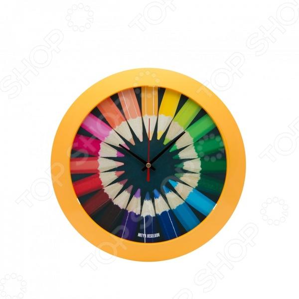 Часы настенные Mitya Veselkov «Карандаши»Часы настенные<br>Настенные часы это элегантный и неотъемлемый элемент дизайна любого помещения. Правильно подобранные часы позволяют внести в общий интерьерный ансамбль некоторую изюминку и легкий штрих индивидуальности, собственного стиля. Поэтому к подбору такого значимого и функционального украшения надо подходить с умом. Настенные часы от отечественного бренда Mitya Veselkov станут настоящей находкой для тех, кто следит за трендами современной моды, любит постоянные перемены и предпочитает новаторские решения взамен обыденной классике. Часы настенные Mitya Veselkov Карандаши отлично впишутся в интерьер вашей гостиной, спальни, кухни или детской комнаты. Корпус кварцевых часов выполнен из качественного пластика, который гарантирует не только их легкость, но и практичность, легкий монтаж и уход. Циферблат данной модели оформлен занимательным дизайнерским рисунком, который придется по душе поклонникам современного искусства. Яркая и сочная расцветка превратит часы в настоящий источник хорошего настроения. Создайте неповторимую атмосферу уюта и комфорта с необычными настенными часами Mitya Veselkov Карандаши !<br>