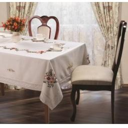 фото Скатерть Романтика с вышивкой 167508. В ассортименте