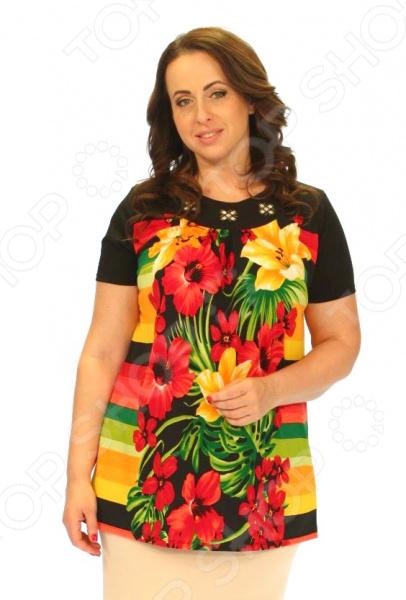 Блуза Wisell «Первая радуга»Блузы. Рубашки<br>Блуза Wisell Первая радуга незаменимая вещь в гардеробе модницы. Подойдет для женщин практически любой комплекции, ведь особенности кроя помогают скрыть недостатки и подчеркнуть достоинства фигуры. Эта блуза отлично подойдет для повседневного использования.  Эффектная блузка свободного силуэта из трикотажного полотна черно-оранжевого цвета.  Круглый вырез изделия обработан внутренней обтачкой. Втачные рукава.  Перед и спинка изделия выполнены из трикотажного полотна хорошей растяжимости. Блузка выполнена из эластичного трикотажного полотна, которое отлично держит форму, не теряет цвет после стирки, не мнется, не скатывается вискоза 30 , полиэстер 65 , эластан 5 . Полиэстер предохраняет вещь от измятия и быстро высыхает после стирки. Швы обработаны синтетическими нитями, эластичными нитями, благодаря чему швы тянутся и не натирают.<br>