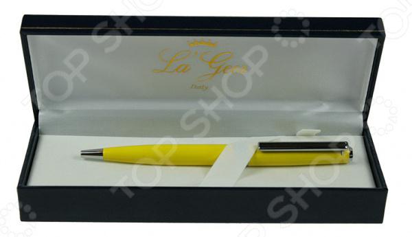 Ручка шариковая La Geer 50264-BPРучки и аксессуары<br>Ручка шариковая La Geer 50264-BP канцелярская шариковая ручка, которая прекрасно лежит в руке и очень практична в любой ситуации. Выполнена из прочного материала и снабжена креплением для кармана. Стильный дизайн сделает эту ручку подходящим подарком для друга или коллеги.<br>