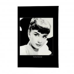 фото Обложка для паспорта Mitya Veselkov «Одри загадочная»