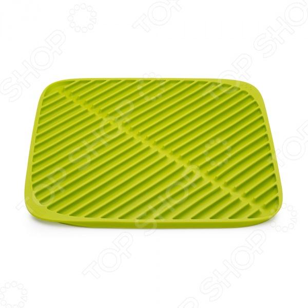 Коврик для сушки посуды Joseph Joseph Flume SquareСушилки для посуды<br>Коврик для сушки посуды Joseph Joseph Flume Square станет отличным дополнением к набору аксессуаров и принадлежностей для кухни. Модель выполнена из термопластичной резины и снабжена рельефной поверхностью для беспрепятственного стекания воды. После использования, с коврика необходимо будет слить воду. Для этого его нужно поднять за уголки и аккуратно наклонить в раковину.<br>