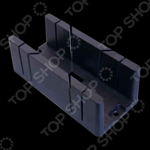 Стусло SANTOOL 030200Стусла<br>Стусло SANTOOL 030200 пластмассовое столярное приспособление для любителей и профессионалов. Инструмент выполнен в виде лотка с боковыми прорезями для шлицовки. Это приспособление предназначено для точного и четкого распила пиломатериала под углом 45 и 90 градусов. Стусло применяется для распиливания плинтусов, багетных и паркетных досок и т.п. Корпус изделия выполнен из ударопрочного ABS-пластика со специальные канавки в основании, которые обеспечивают дополнительную защиту от повреждений при пилении. Этот инструмент очень износостойкий и прослужит вам долгие годы.<br>