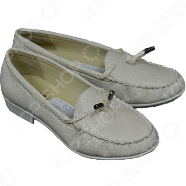 Мокасины женские АЛМИ Лето. Цвет: светло-бежевыйМокасины<br>Мокасины женские АЛМИ Лето - это модная, удобная и практичная обувь, которая станет актуальным дополнением к вашему гардеробу. Мокасины изготовлены из высококачественной искусственной кожи по уникальной австрийской технологии литьевого метода крепления. Устойчивая подошва, материалом для которой, служит ПВХ позволит ногам находиться в комфорте. Мокасины, абсолютно неприхотливы в уходе и не требует дополнительных средств по уходу за обувью. Легкие и удобные мокасины АЛМИ Лето отлично подходят для повседневной носки.<br>