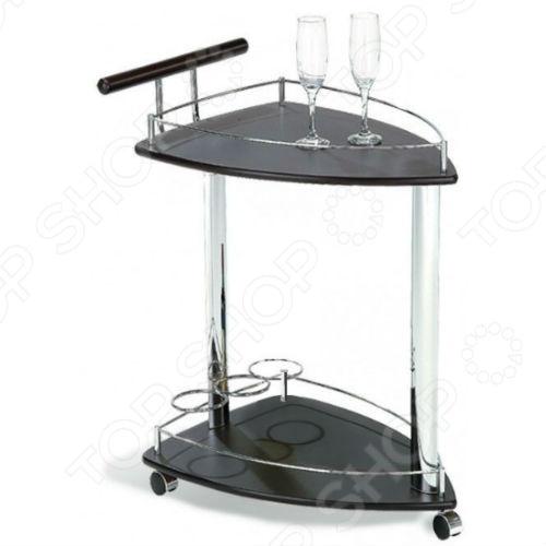 Столик сервировочный Sheffilton SC-5068-WD это изысканный сервировочный столик, который может стать отличным атрибутом вашей гостиной. Столик мобильный, удобный и вместительный, вы сможете подать десерты для всех собравшихся гостей всего за несколько минут. Столики такого типа подходят не только для больших помещений, вы можете использовать их даже в офисе при встрече иностранных гостей. Колесики облегчают передвижение как по плитке, так и ковролину. Сам стол достаточно надежен, выполнен с использованием металлических элементов.