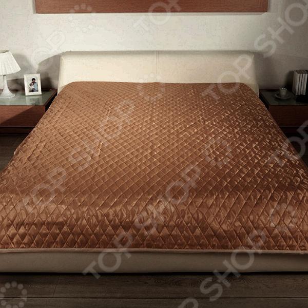 Стеганое покрывало Подушкино Кристина, несомненно, внесет яркий акцент в интерьер вашей спальной комнаты, добавит ей уюта, роскоши и элегантности. Модель выполнена из высококачественного полиэстера, отлично зарекомендовавшего себя в производстве постельного белья, благодаря мягкости, гладкости, низкой сминаемости и устойчивости к истиранию. Модель представлена в трех цветовых решениях.