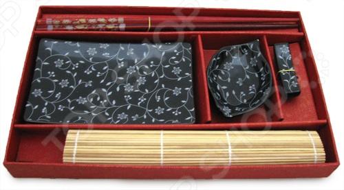 Набор для суши Elan Gallery Узор отлично подойдет, чтобы разнообразить свой ужин или устроить вечеринку в восточном стиле. Традиции азиатских стран всё прочнее вплетаются в нашу повседневную жизнь: мы едим японские суши, пьём китайский чай, смотрим аниме и читаем произведения восточных авторов. Поэтому, если ваши друзья и родные любят полакомиться суши и роллами, этот подарок для них будет самым лучшим.