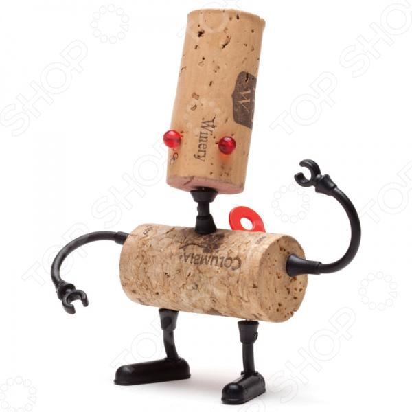 Декор для винной пробки Monkey Business Corkers Robots ЛюкДругие барные принадлежности<br>Декор для винной пробки Monkey Business Corkers Robots Люк - совершенно неожиданный и забавный подарок для.... для кого Да для кого угодно! Такой креативный наборчик внесет нотки радости и задора в любое застолье. Вы только посмотрите - во что может превратиться обычная винная пробка, теперь она точно не будет валяться на полу, а займет почетное место на праздничном столе! Такой набор позволит оригинальным образом собирать пробки от коллекционных вин, выпитых в приятной компании. Набор упакован в коробку специальной формы с круглым отверстием, благодаря чему её можно одеть на бутылку вина и это станет оригинальным презентом. Кстати если собрать несколько разных наборов, то можно миксовать ноги, антенны, глаза и создавать невиданные создания, поверьте - за бутылочкой вина это занятие понравиться многим!<br>