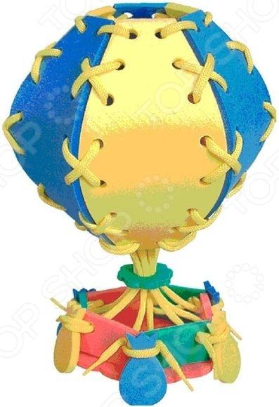 Игра развивающая для малыша Флексика «Шнуровка. Воздушный шар»Другие обучающие и развивающие игры<br>Игра развивающая для малыша Флексика Шнуровка. Воздушный шар объемная мягкая игрушка, в виде воздушного шара. В набор находится множество деталей, которые необходимо прикрепить с помощью шнурка. Из деталей воздушного шара также можно будет сошнуровать человечка, цветок или еще что-нибудь, используя свое воображение. Воздушный шар станет прекрасным дополнение в сюжетно-ролевых играх и позволит развить пространственное восприятие, мышление и мелкую моторику рук. Игра станет прекрасным подарком для ребенка и позволит весело провести свой досуг.<br>