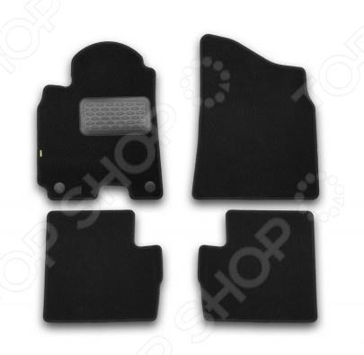 Комплект ковриков в салон автомобиля Klever Chery Tiggo T21 2014 StandardКоврики в салон<br>Комплект ковриков в салон автомобиля Klever Chery Tiggo T21 2014 Standard ковролин, созданный для сохранения чистоты в салоне автомобиля. Обладают повышенной прочностью, износостойкостью и очень удобны в использовании. Эти коврики станут неотъемлемой частью вашего автомобильного интерьера. Преимущества: Полипропиленовый ворс плотностью 500 гр. м2. Нескользящая основа: гранулят . Идеальный компьютерный раскрой. Высокопрочная крученая нить обработка края. Вешалка позволяет переносить и вывешивать в торговом зале. Подпятник продлевает срок службы. Фиксаторы основа безопасности. В комплекте есть 4 штуки.<br>