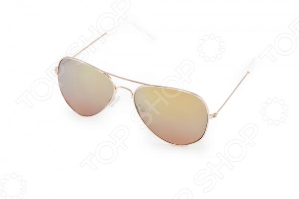 Очки солнцезащитные Mitya Veselkov MSK-1711-4Солнцезащитные очки<br>Очки солнцезащитные Mitya Veselkov MSK-1711-4 это стильный аксессуар, который подчеркнет индивидуальность внешности и при этом защитит от негативно влияющих на глаза, ультрафиолетовых лучей. Градиентные линзы уменьшают интенсивность солнечного света, падающего сверху. Очки отлично прилегают к голове и не вызывают дискомфорт при длительном ношении. Насыщенный цвет оправы, дужек и линз придает очкам особую выразительность, поэтому их можно носить везде.<br>