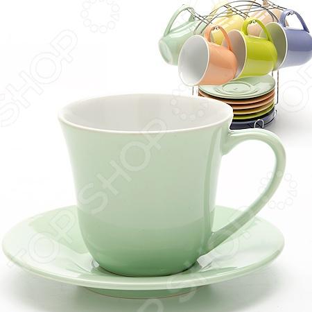 Набор чашек Loraine LR-24864Кружки. Чашки<br>Набор чашек Loraine LR-24864 набор чашек, которые отлично подойдут для использования дома и в офисе. Чашки изготовлены из высококачественной глины и оформлены рисунком. Они выдерживают высокие температуры и их можно ставить в микроволновую печь. Объем каждой чашки 190 мл, как раз большая порция вашего любимого напитка. Если напиток в чашке остыл не отчаивайтесь, вы сможете подогреть его в микроволновой печи. Посуда и кухонные принадлежности компании Loraine это новое поколение кухонной посуды, которое создано ведущими мировыми специалистами с использованием самых современных технологий. Компания выпускает экологически чистые изделия с соблюдением международных норм безопасности, так что вы сможете использовать посуду и кухонные приборы в быту долгие годы без вреда для здоровья. В наборе 6 чашек с блюдцами и 1 подставка.<br>