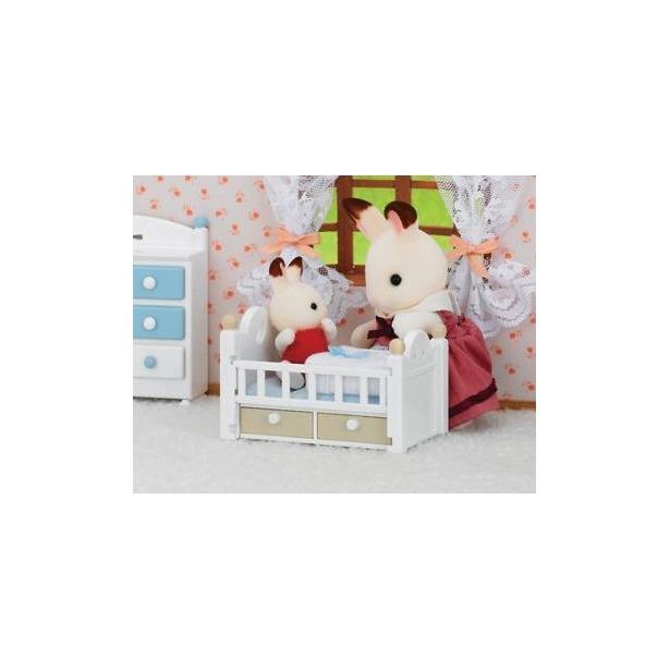 фото Набор игровой Sylvanian Families «Малыш и детская кроватка»