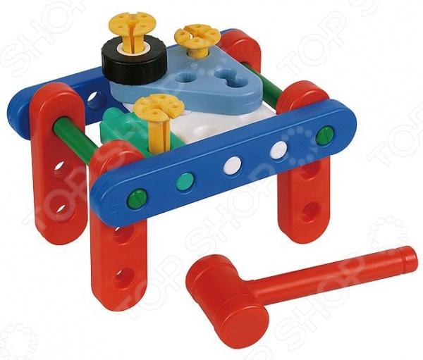 Конструктор развивающий Gigo «Юный инженер - первые шаги»Другие виды конструкторов<br>Конструктор развивающий Gigo Юный инженер - первые шаги включает в себя: панели и балки, болты, гайки, колеса, полусферы, шестеренки двух видов маленькие с шестью зубчиками и большие с восемнадцатью зубьями, а также пластмассовые инструменты - молоток, отвертка. Из конструктора можно собрать 24 модели. В комплекте 32 детали.<br>