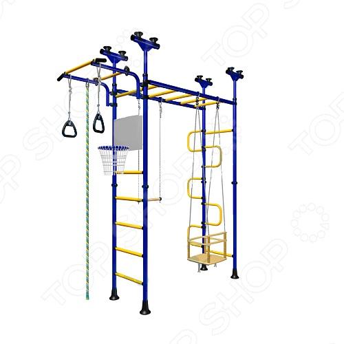 Детский спортивный комплекс Карусель ПегасДетские тренажеры<br>Детский спортивный комплекс Карусель Пегас многоцелевой спорткомплекс для физического развития. Комплекс устанавливается в распор, между стенкой и потолком. Оснащен различными снарядами: вертикальная гимнастическая лестница, трапеция, канат, кольца гимнастические, щит баскетбольный, качели, рукоход, лаз змейка , турник передвижной на хомутах, крепится к стойкам шведской стенки. Занятия на этих снарядах развивают силу, ловкость, координацию движений, выносливость, улучшают осанку. На детском спортивном комплексе Карусель Олимпиец-1 можно выполнять следующие спортивные упражнения:  на турнике: подтягивание узким и широким хватом и упражнения на мышцы пресса;  на канате: подтягивание и лазание, на трапеции подтягивания и раскачивания;  на кольцах: подтягивание с поворотом и раскачивание, вращение относительно вертикальной оси, отжимание;  на металлической лестнице в комбинации с канатом: подъем по лестнице и спуск по канату. Навешиваемые элементы идут в комплекте: канат, гимнастические кольца и трапеция. Они могут навешиваться на комплекс произвольно и на любой высоте, то есть куда вы захотите, туда их и повесите. Новая конструкция каната позволяет навесить его после монтажа комплекса. Технические характеристики:  Шведская стенка крепится в распор.  Ширина ступеней 490 мм.  Ширина ступеней с боковыми стойками 530 мм.  Высота спортивного комплекса регулируемая от 2,315 до 2,73 метра.  Диаметр стоек 42 мм. Комплекс может быть установлен в квартире.<br>