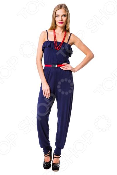 Комбинезон Mondigo 8643 станет прекрасным дополнением в вашем гардеробе, поможет создать соблазнительный и женственный образ, без потери комфорта. Универсальный дизайн делает эту модель одеждой на все случаи жизни. Лиф украшен оборками, брюки свободного силуэта, в нижней части собраны резинкой, что придает модели утонченность. В этом комбинезоне вы будете чувствовать себя блистательно как на работе, так и на вечеринке.  Хорошо сочетается с различными аксессуарами и комбинируется с вещами различных стилей.  Прочные материалы и качественный крой.