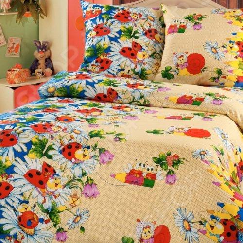 Комплект постельного белья ТексДизайн «Карандаши». 1,5-спальный1,5-спальные<br>Комплект постельного белья ТексДизайн Карандаши это удобное постельное белье, которое подойдет для ежедневного использования. Чтобы ваш сон всегда был приятным, а пробуждение легким, необходимо подобрать то постельное белье, которое будет соответствовать всем вашим пожеланиям. Приятный цвет, нежный принт и высокое качество ткани обеспечат вам крепкий и спокойный сон. Бязь, из которой сшит комплект отличается следующими качествами:  достаточно мягка и приятна на ощупь, не имеет склонности к скатыванию, линянию, протиранию, обладает повышенной гигроскопичность, практически не мнется, не растягивается, не садится, не выгорает, гипоаллергенен, хорошо отстирывается и не теряет при этом своих насыщенных цветов;  ворсинки микрофибры равномерно распределяют статическое электричество;  обладает высокой воздухопроницаемостью, хорошим охлаждающим эффектом, быстро сохнет, ему не страшны загрязнения, грибок и моль;  за счёт специального переплетения волокон ткань устойчива к механическим воздействиям. Постельное белье отличается экологически чистыми материалами и устойчивыми красителями. Ткань устойчива к механическим воздействиям. Перед первым применением комплект постельного белья рекомендуется постирать. Перед стиркой выверните наизнанку наволочки и пододеяльник. Для сохранения цвета не используйте порошки, которые содержат отбеливатель.<br>