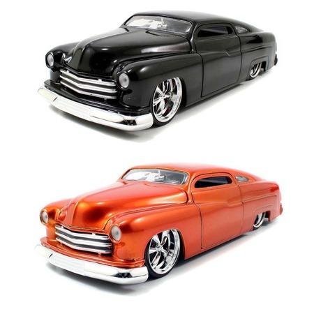 Купить Модель автомобиля 1:24 Jada Toys Ford Mercury 1951. В ассортименте