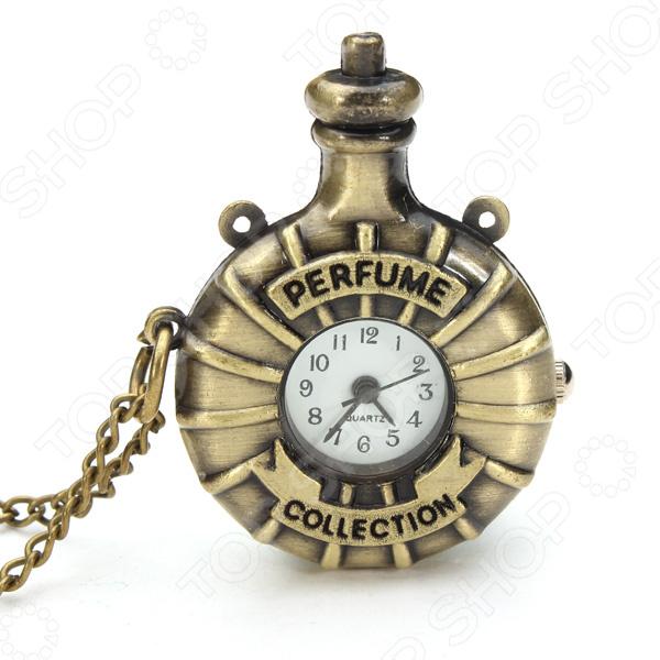 Кулон-часы Mitya Veselkov «Фляга»Кулоны<br>Кулон-часы Mitya Veselkov Фляга это стильный аксессуар, который выполняет не только функцию украшения, но и классических часов. Корпус изделия выполнен из прочного, но изящного сплава тонкой работы. Внутри корпуса вы увидите кварцевые часы с тремя стрелками, которые прослужат вам долгие годы. Кулон крепится на изящную цепочку панцирного плетения, с карабином, при необходимости вы можете заменить её и использовать кожаный шнурок. В такой вариации вы идеально дополните образ стим-панк, который снова становится популярен. Любая современная девушка будет в восторге от такого украшения, ведь эти часы сочетаются с любыми аксессуарами и хорошо смотрятся как с свитерами крупной вязки, так и с воздушными блузами. Этот кулон может стать идеальным подарком на праздник.<br>