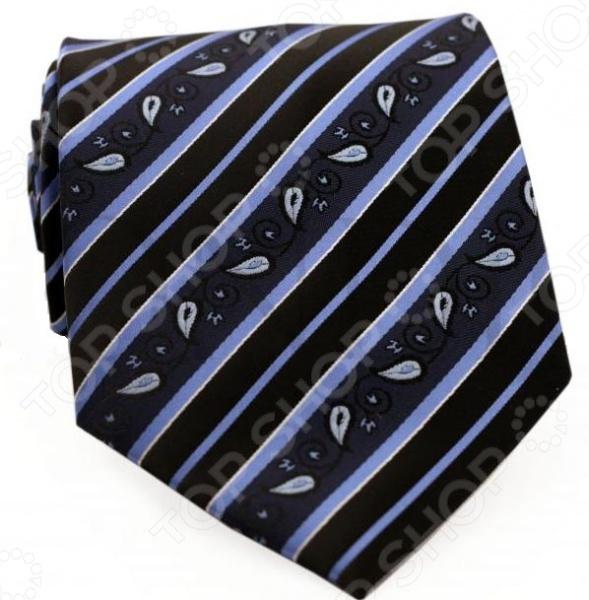 Галстук Mondigo 33604Галстуки. Бабочки. Воротнички<br>Галстук Mondigo 33604 это галстук из высококачественной микрофибры, украшен диагональными полосками разной толщины и орнаментом пейсли. Он подходит как для повседневной одежды, так и для эксклюзивных костюмов. Подберите галстук в соответствии с остальными деталями одежды и вы будете выглядеть идеально! В современном мире все большее распространение находит классический стиль одежды вне зависимости от типа вашей работы. Даже во время отдыха многие мужчины предпочитают костюм и галстук, нежели джинсы и футболку. Если вы хотите понравится девушке, то удивить ее своим стилем это проверенный метод от голливудских знаменитостей. Для того, чтобы каждый день выглядеть по-новому нет необходимости менять галстуки, можно сменить вариант узла, к примеру завязать:  узким восточным узлом, который подойдет для деловых встреч;  широким узлом Пратт , который прекрасно смотрится как на работе, так и во время отдыха;  оригинальным узлом Онассис , который удивит всех ваших знакомых своей неповторимый формой.<br>
