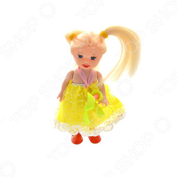 Кукла Shantou Gepai в коробке «Снежана». В ассортиментеКуклы<br>Товар продается в ассортименте. Цвет изделия при комплектации заказа зависит от наличия товарного ассортимента на складе. Кукла Shantou Gepai в коробке Снежана это красивая куколка, которая точно порадует вашего ребенка и подарит ему сказочные минуты игры. При создании уделялось внимание всем частям тела и аксессуарам, ведь именно это делает куклу уникальной. Глаза и вся фигурка полностью соответствует образу настоящего маленького человека. Кукла одета в оригинальный наряд, а волосы уложены в соответствии с общим стилем. Игрушки такого типа помогают ребенку развивать фантазию, мелкую моторику рук, логику и создавать собственные удивительные истории с участием куклы.<br>