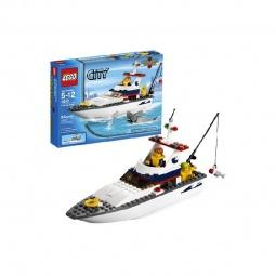 фото Конструктор LEGO Рыболовное судно