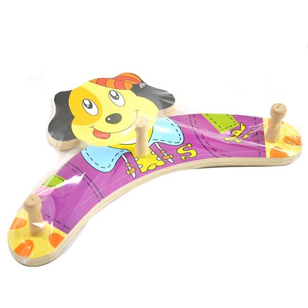 Вешалка детская для одежды Пес - оригинальная красочна вешалка, с улыбающейся рожицей собачки. Уникальная вешалка имеет неповторимый дизайн и выполнена из качественного материала. Ее с легкостью можно разместить в детской комнате для хранения детских вещей. Имеет 3 удобных крепления. С такой вешалкой ребенку будет приятен процесс утренней подготовки. Вдобавок, эта незаурядная вещица, которая позволяет сделать ему все самостоятельно сможет развить логическое мышление, моторику рук и координацию движений.