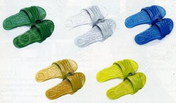 Тапочки для бани Банные штучки 32045. В ассортиментеТапочки для бани<br>Товар продается в ассортименте. Цвет изделия при комплектации заказа зависит от наличия товарного ассортимента на складе. Тапочки для бани Банные штучки 32045 изготовлены из качественного и прочного пенополиэтилена, устойчивого к повышенным температурам. Тапочки удобны в носке, хорошо сидят на ноге. Благодаря их небольшому весу вы не ощущаете тяжести и чувствуете себя максимально комфортно. Они прекрасно подойдут для использования в условиях повышенной влажности.<br>