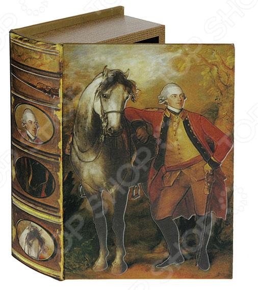 Набор шкатулок-фолиантов Томас Гейнсборо «Портрет лорда Лигонье» 184153Шкатулки<br>Набор шкатулок-фолиантов Томас Гейнсборо Портрет лорда Лигонье 184153 состоит из двух шкатулок разного размера с одинаковым рисунком на внешнем покрытии. Эти изделия называют шкатулки-фолианты за их внешнего сходства со старинными книгами. Шкатулки открываются как фолиант, и выглядят соответственно. В них можно хранить украшения, деньги, письма и прочую мелочь. Изделие покрыто искусственной кожей с изображением великого британского главнокомандующего и первого графа семейства Лигонье. Благодаря максимальной схожести с исторической книгой, эти шкатулки могут стать надежным хранилищем для ценных мелких вещей. Стоит поставить их на полку и они затеряются среди книг. Этот набор выглядит как настоящее произведение искусства и станет изумительным подарком, который станет украшением рабочего стола.<br>