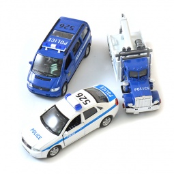 Купить Набор машинок игрушечных Welly «Полиция» 99610-3A
