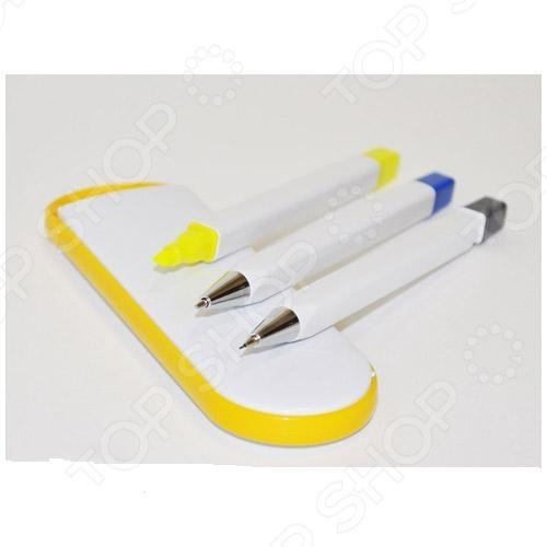Набор: маркер для текста, карандаш механический и ручка Beifa Сувенир - замечательный подарочный набор, который пригодится как на работе, так и в учебе. В набор входят: автоматический карандаш, ручка, текстмаркер желтого цвета и удобный пенал-футляр для хранения принадлежностей. Стильный современный дизайн набора украсит любой рабочий или письменный стол. Толщина линии письма составляет 0,5 мм.