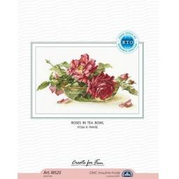 фото Набор для вышивания крестиком RTO «Розы в пиале»