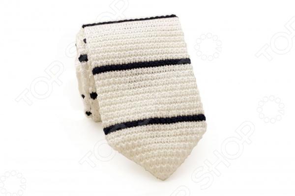 Галстук Mondigo 32036 это стильный аксессуар, необходимый для создания элегантного вида. Изготовлен из высококачественной микрофибры. Галстук украшен полосками на плетеной ткани. Отлично дополнит наряд в свободном стиле. Подойдет для повседневной носки в стиле Casual. С этим галстуком вы сможете привлечь взгляды, и обратить на себя должное внимание.