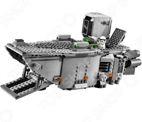 Конструктор-игрушка LEGO «Транспорт Первого Ордена»Конструкторы LEGO<br>Не секрет, что конструкторы LEGO являются одними из самых популярных и продаваемых игрушек в мире. Компания LEGO Group начала свое существование еще 1932 году и до сих пор не сдает лидирующих позиций, ежедневно расширяя свое производство и сферу деятельности. Конструкторы этого бренда отличаются великолепным качеством исполнения и большим разнообразием игровых сюжетов. Конструктор-игрушка Lego Транспорт Первого Ордена станет отличным подарком для вашего любимого чада и прекрасным дополнением к коллекции уже имеющихся игрушек LEGO. На этот раз малышу предоставится уникальная возможность побывать на борту легендарного транспортного корабля войск Первого Ордена. В игровой набор входит боевая машина и семь минифигурок: капитан Фазма, два пехотинца и два штурмовика. Рекомендовано для детей в возрасте от 9-ти лет.<br>