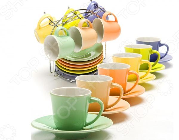 Любая хозяйка знает насколько важна в кулинарии сервировка и правильная подача блюд. От того как блюдо оформлено, в какой посуде подано и как смотрится на тарелке, зависит едва ли не половина вашего успеха. Набор чайной посуды Loraine 24865 внесет яркий акцент в сервировку стола и станет отличным дополнением к набору ваших кухонных аксессуаров и принадлежностей. В набор входят шесть чашек, шесть блюдец и металлическая подставка. Посуда выполнена из высококачественной керамики. Объем чашек 80 мл.