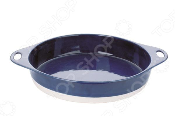 Форма для запекания Dekok HR-1061Керамические формы для выпечки и запекания<br>Форма для запекания Dekok HR-1061 станет практичным приобретением для вашей кухни. Стильная и качественная керамическая форма подойдет не только для приготовления различных запеканок и выпечки, но так же отлично справится с запеканием мяса, овощей, рыбы, птицы и много другого. С такой формой готовить любимые блюда станет ещё проще и приятней. Круглая форма выполнена из экологически чистой белой глины материала, который не только не нарушает вкусовой и ароматический баланс продуктов, но и позволяет сохранить все их полезные свойства при приготовлении. Форма снабжена небольшими ручками, которые позволят быстро вынуть ее из духового шкафа или микроволновой печи. Это удобное и практичное изделие способно выдержать нагрев температурой до 220 С. Оно также отлично подходит для хранения продуктов в холодильнике или морозильной камере при температурах до -20 С, однако следует избегать резкого перепада температур. Другим достоинством этой посуды является её стильный и оригинальный дизайн, который позволит без стеснения поставить форму на праздничный или обеденный стол.<br>