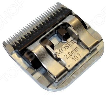 Moser 1245 это современный, надежный, быстросъемный нож на машинку для стрижки собак. Наши четвероногие друзья требуют к себе особого внимания, поэтому к уходу за ними стоит подходить крайне ответственно. Стрижка будет эффективна в жаркое время года или в случаях, когда у животного свалялась шерсть. Кроме того, набирающий в последнее время популярность груминг, позволит почувствовать домашнему любимцу себя чистым и красивым. Нож Moser 1245 изготовлен из высококачественной нержавеющей стали. Запатентованная технология высокоточной шлифовки гарантирует долгой срок службы насадки и невероятную остроту лезвий. Подходит для машинок: Thrive 805, 900N2, Moser 1245, Wahl 1247, GTS 808 и др. с гнездом А5.