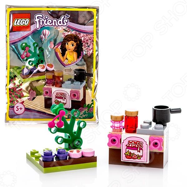 Конструктор игровой LEGO «Сделай варенье»Конструкторы LEGO<br>Не секрет, что конструкторы LEGO являются одними из самых популярных и продаваемых игрушек в мире. Компания LEGO Group начала свое существование еще 1932 году и до сих пор не сдает лидирующих позиций, ежедневно расширяя свое производство и сферу деятельности. Конструкторы этого бренда отличаются великолепным качеством исполнения и большим разнообразием игровых сюжетов. Конструктор игровой Lego Сделай варенье станет отличным подарком для вашего любимого чада и прекрасным дополнением к коллекции уже имеющихся игрушек LEGO. На этот раз малышу предоставиться уникальная возможность самому сделать вкусное клубничное варенье. Рекомендовано для детей в возрасте от 5-ти лет.<br>