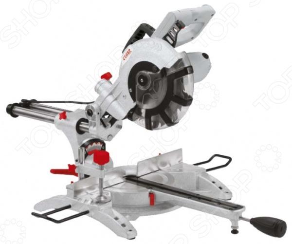 Пила торцовочная СТАВР ПТ-210/1600Торцовочные пилы<br>Пила торцовочная СТАВР ПТ-210 1600 инструмент, используемый в слесарных и ремонтных работах. Он сочетает в себе достаточно компактные габариты и высокую мощность. Наличие прочной алюминиевой основы обеспечивает надежную фиксацию обрабатываемой детали. Регулируемый механизм блока позволяет осуществлять распил под необходимым углом. Дополнительно имеется возможность подключения пылесоса или мешка-пылесборника для сохранения чистоты рабочего места. Пользователь имеет прямой доступ к щеточному узлу, что позволяет легко заменить угольные щетки, не разбирая корпус инструмента. Наличие системы блокировки кнопки запуска предотвращает случайное включение инструмента и защищает пользователя. Эргономичная рукоятка с покрытием, предотвращающим скольжение, обеспечивает надежный удобный хват и снижает утомляемость пользователя. Высота пропила 63 мм, ширина пропила 310 мм. Диаметр посадочного отверстия 30 мм, количество скоростей 1. В комплекте:  пила;  диск пильный;  приспособления для удлинения рабочего стола 2 шт.;  комплект угольных щеток;  шестигранный ключ 2 шт.;  устройство зажимное;  пылесборник.<br>