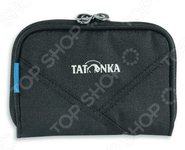 Кошелек туристический Tatonka Big Plain Wallet 2983Кошельки туриста<br>Кошелек туристический Tatonka Big Plain Wallet 2983 надежно защитит ваши документы, деньги или визитные карточки. Он широко раскрывается, предоставляя легкий доступ к содержимому. Представленная модель изготовлена из фирменного нейлонового материала Textreme 6.6. Полиуретановое покрытие обеспечивает устойчивость к атмосферным воздействиям. Кошелек оборудован несколькими внутренними отделениями и кармашком на молнии.<br>