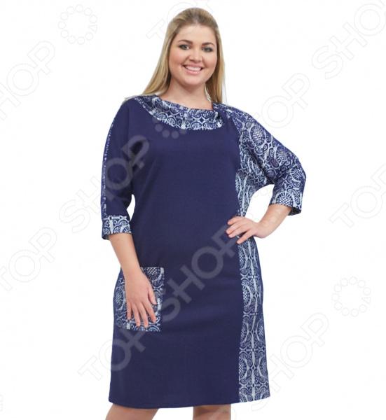 Платье СВМ-ПРИНТ «Дениз». Цвет: синийПовседневные платья<br>Платье СВМ-ПРИНТ Дениз поможет вам создавать невероятные образы, всегда оставаясь женственной и утонченной. Грамотный крой и цвет скрывают недостатки фигуры и подчеркивают достоинства. В этом платье вы будете чувствовать себя блистательно как на празднике, так и на вечерней прогулке по городу.  Платье прямого кроя сочетает в себе классику и загадочность, простоту линий и сложность элементов воротник, вставки .  Воротник стойка выполнен из контрастного материала.  Удобные рукава 3 4.  Сбоку предусмотрен один карман.  Длина до колена.  Уникальная модель, доступная только в телемагазине Top Shop . Платье сшито из плотного трикотажа, состоящего на 100 из полиэстера. Вставки выполнены из кружева на подкладке. Материал не линяет, не скатывается, формы от стирки не теряет.<br>
