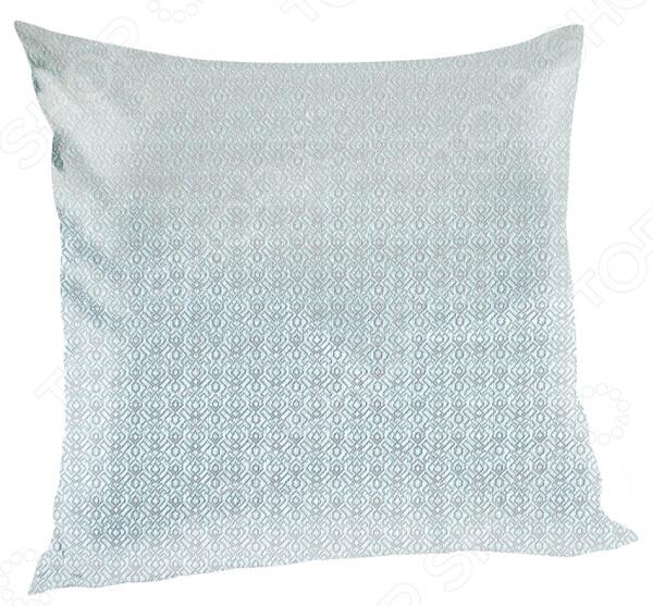 Подушка декоративная Kauffort SimonaДекоративные подушки<br>Не секрет, что уют и домашний комфорт, создаются из, казалось бы привычных и обыденных, на первый взгляд, мелочей. Домашний текстиль, вазы, пледы, рамки с фотографиями все это делает интерьер особенным и вносит в его оформление индивидуальность и завершающий штрих. Иногда, даже не обязательно затевать ремонт или делать перестановку мебели. Достаточно просто купить домой декоративные подушки. Подушка декоративная Kauffort Simona отлично подойдет для украшения интерьера, подчеркнет общее стилистическое решение и поможет грамотно расставить цветовые акценты. Чехол подушки выполнен из жаккарда и украшен изысканным рисунком. В качестве наполнителя используется холлофайбер, хорошо зарекомендовавший себя в производстве домашнего текстиля, благодаря легкости, гигиеничности и упругости. Изделия с такой набивкой устойчивы к слеживанию и различного рода механическим воздействиям, не мнутся и быстро восстанавливают форму после сжатия. Среди особенностей модели также стоит отметить:  мягкость и комфорт;  стильный дизайн;  наличие молниевой застежки. Следует помнить, что при выборе декоративных подушек необходимо учитывать обивку дивана и кресел, цвет штор, занавесок, ковров и т.д.<br>