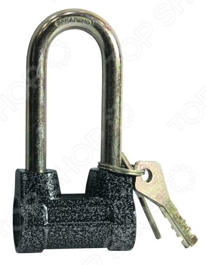 Замок навесной СИБРТЕХ ЗН2-4-01-2Замки<br>Замок навесной СИБРТЕХ ЗН2-4-01-2 это классический навесной замок, который используется для защиты от проникновения в складские, хозяйственные и прочие помещения. Навесной замок прост в установке и использовании, подойдет для любой двери с проушинами. Можно отметить следующие преимущества представленного замка:  Корпус выполнен из металла;  Дужка изготовлена из закаленной стали;  В комплекте есть 3 ключа;  Сложная конструкция замка значительно снижает вероятность взлома.<br>
