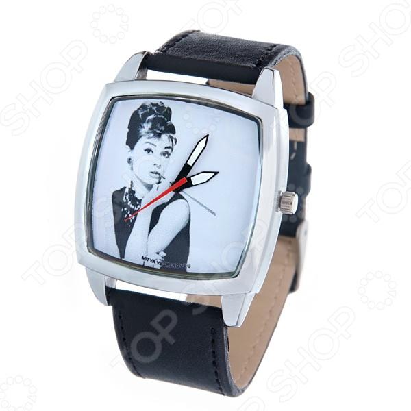 Часы наручные Mitya Veselkov «Одри курит» CH часы наручные mitya veselkov часы mitya veselkov одри на белом курит арт mv 38