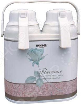 Термос Bekker BK-4089Термосы и термокружки<br>Термос Bekker BK-4089 это именно тот предмет, который поможет вам без труда хранить и всегда иметь под рукой горячие напитки. Это могут быть чай, кофе или что-либо другое. Удобства в использование термоса добавляют две емкости, по 1,6 литров каждая, со встроенными пневмонасосами, воспользовавшись которыми вы без труда и боязни расплескать содержимое термоса сможете налить себе кружку ароматного напитка. Колбы изготовлены из стекла, а корпус из высококачественной нержавеющей стали, что обеспечивает высокую степень удержания внутренней температуры на протяжении длительного периода времени. Общего объема, составляющего 2,5 литра вполне хватит на большую компанию выехавшую отдохнуть на природу или работников офиса, решивших устроить себе перерыв.<br>