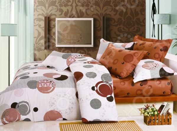 Комплект постельного белья BegAl ВТ001-А80012. 1,5-спальный1,5-спальные<br>Здоровый и комфортный сон зависит не только от того насколько ваш матрас и подушка мягкие, но и от качества постельного белья. Очень важно при выборе постельного белья для повседневного использования ориентироваться не только на его цену и яркий дизайн, но и на тонкость, плотность материала, его шелковистость и износоустойчивость. Жесткие и слишком плотные ткани, пусть даже и натуральные, не подходят для ежедневного использования, ведь они могут причинить коже удивительный дискомфорт, вызвав её покраснения и раздражения. Комплект постельного белья BegAl ВТ001-А80012 идеальный вариант для повседневного использования. Комплект выполнен из качественной набивного поплина. Эта плотная хлопчатобумажная ткань изготовляется из нитей 100 натурального хлопка и отличается своей прочностью и высокой стойкостью к бытовому истиранию. Такое постельное белье легко выдержит многократные стирки, сохраняя при этом свою первоначальную форму. На таком постельном белье не будут возникать катышки, которые делают его не только не привлекательным, но и очень неудобным. Пододеяльник закрывается на на потайную застежку-молнию, расположенную в нижней части изделия. Особенность комплекта в том, что некоторые его детали пододеяльник и простыня скроены из основного материала и материала компаньона. Постельное белье из поплина обладает рядом достоинств.  Экологичностью и натуральным происхождением, так как при его производстве не используются токсичные компоненты.  Не вызывает раздражение или аллергию.  Гораздо мягче и тоньше постельного белья из бязи, поэтому не доставляет дискомфорт даже чувствительной коже.  Легкая ткань практически не мнется, поэтому белье не собирается в грубые складки даже во время самого беспокойного сна.  Высокий уровень гигроскопичности позволяет белью впитывать излишки влаги, поэтому вы не будете просыпаться в поту каждый раз.  Натуральный хлопок является неблагоприятной средой для размножения пыл