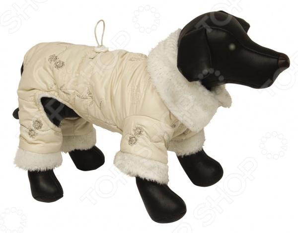 Комбинезон для собак DEZZIE ПетроКомбинезоны<br>Комбинезон для собак DEZZIE 562537 это удобный комбинезон для собак, в котором ваш питомец будет чувствовать себя тепло и комфортно. Кроме того, собака будет выглядеть модно, оригинально и невероятно стильно, вы можете даже подобрать комбинезон в тон со своей курткой. Рукава прикрывают передние и задние лапы, застежка на липучках, есть фиксирующая резинка на талии. Комбинезоны такого типа незаменимы при прогулке с собакой в осенне-зимний период или просто холодный день.<br>