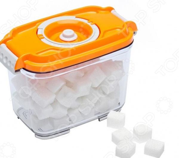 Контейнер вакуумный для продуктов STATUS VAC-REC-08Контейнеры для продуктов и ланч-боксы<br>Контейнер вакуумный для продуктов STATUS VAC-REC-08 это удобный контейнер, который сделан из тритана. Чаша идеально подходит для длительного хранения продуктов в холодильнике, обеспечивает отличную герметичность и плотное прилегание крышки. Прозрачный корпус позволит определить содержимое емкости, а специальная конструкция позволяет штабелировать несколько емкостей для компактного хранения. Контейнер легко моется и не впитывает запах продуктов.<br>