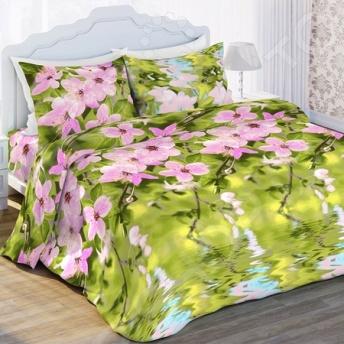 Комплект постельного белья Любимый дом «Нега». 1,5-спальный1,5-спальные<br>Комплект постельного белья Любимый дом Нега это удобное постельное белье, которое подойдет для ежедневного использования. Чтобы ваш сон всегда был приятным, а пробуждение легким, необходимо подобрать то постельное белье, которое будет соответствовать всем вашим пожеланиям. Приятный цвет, нежный принт и высокое качество ткани обеспечат вам крепкий и спокойный сон. 100 хлопок, из которого сшит комплект отличается следующими качествами:  достаточно мягка и приятна на ощупь, не имеет склонности к скатыванию, линянию, протиранию, обладает повышенной гигроскопичностью, практически не мнется, не растягивается, не садится, не выгорает, гипоаллергенна, хорошо отстирывается и не теряет при этом своих насыщенных цветов;  ворсинки равномерно распределяют статическое электричество;  это самая современная фотопечать, которая прекрасно передает цвет и мельчайшие детали изображения;  за счёт специального переплетения волокон ткань устойчива к механическим воздействиям. Перед первым применением комплект постельного белья рекомендуется постирать. Перед стиркой выверните наизнанку наволочки и пододеяльник. Для сохранения цвета не используйте порошки, которые содержат отбеливатель. Рекомендуемая температура стирки: 40 С и ниже без использования кондиционера или смягчителя воды.<br>